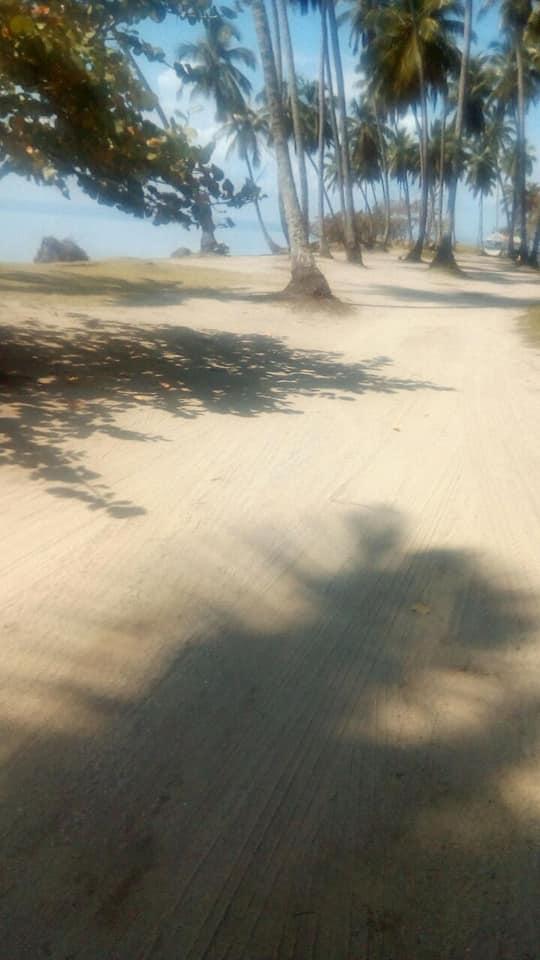 Alcaldía realiza jornada de limpieza extraordinaria en la Playa Las Garitas